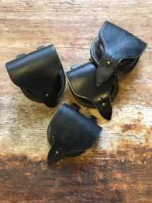 Læderpung i sort kernelæder