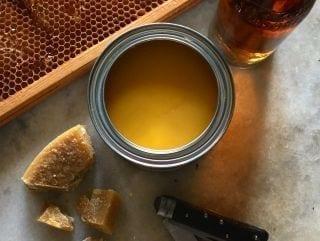 Linolievoks - består af linolie og bivoks - genial til alle træsorter