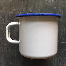 Emaljekrus hvid med klassisk blå kant