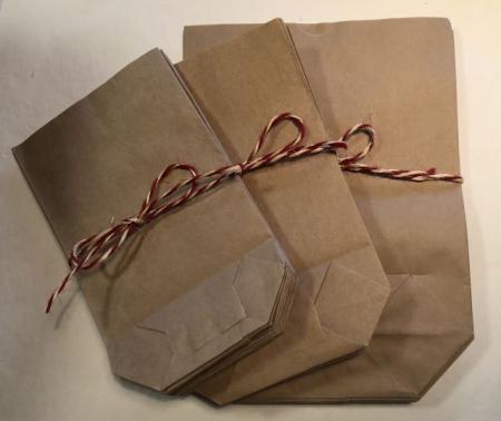 Gaveposer i kraftigt brun papir