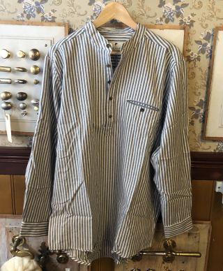 Skjorte med stopelukning bred stribe